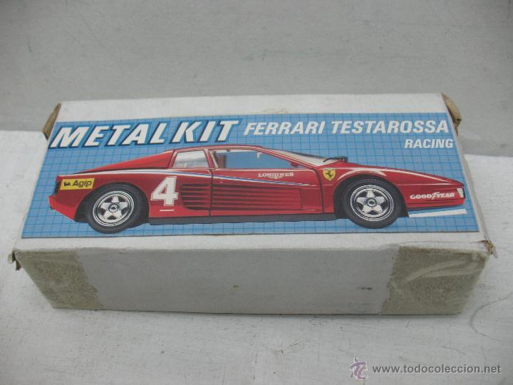 Coches a escala: Revell - Coche Ferrari Testarossa 4 1988 Metalkit Good Year - Escala 1:24 - Foto 11 - 42247673