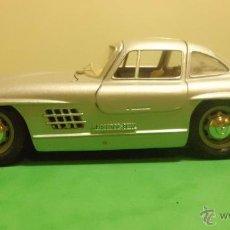 Coches a escala: MERCEDES BENZ 300 SL 1954 BURAGO FABRICADO EN ITALIA ESCALA 1:24. Lote 51040986