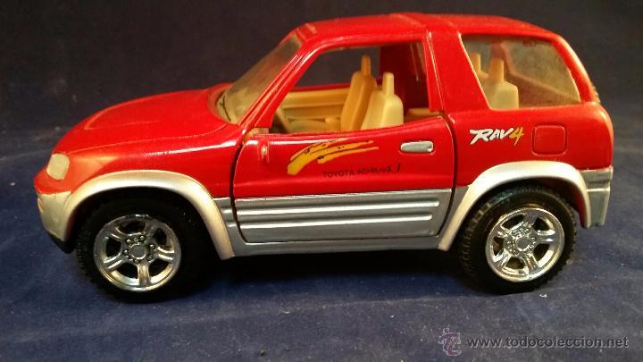 Coches a escala: Coche a escala 1:24 Toyota RAV4 - Modelo muy dificil de conseguir en 1:24. De metal - Foto 3 - 53004706