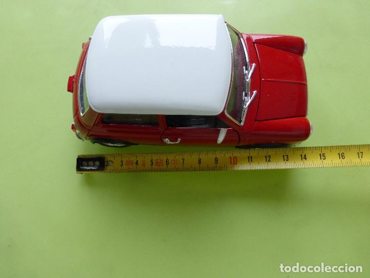 Coches a escala: mini cooper a escala 1-24 burago - clásico rojo y blanco - buen estado - Foto 2 - 66161486