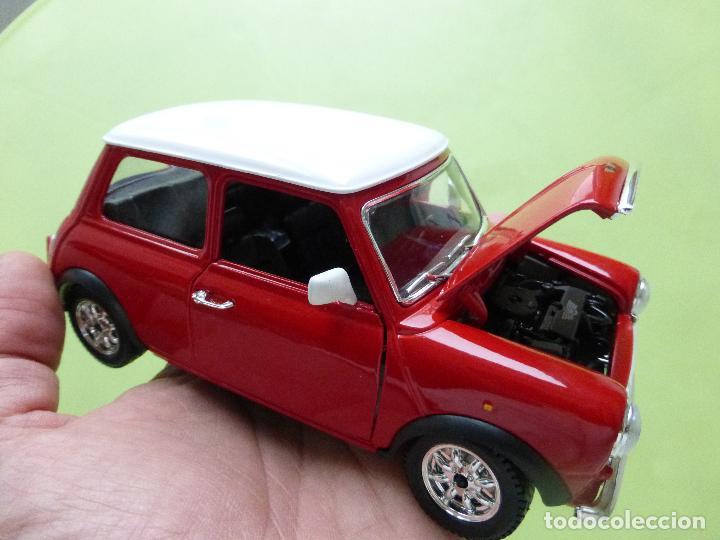 Coches a escala: mini cooper a escala 1-24 burago - clásico rojo y blanco - buen estado - Foto 3 - 66161486
