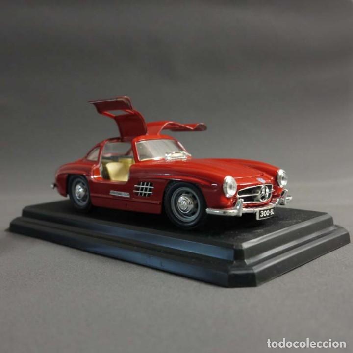 Coches a escala: ANTIGUO COCHE DE COLECCIÓN DE BBURAGO. Mercedes Benz 300 SL. SIN USAR, COMO NUEVO. - Foto 4 - 70114669