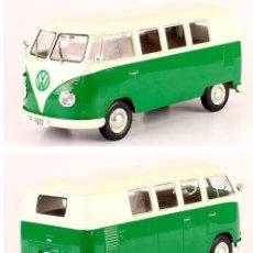 Coches a escala: VOLKSWAGEN T1 VW 1960 1/24 IXO SALVAT CON PEANA. Lote 148128813