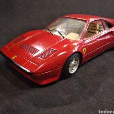 Coches a escala: FERRARI GTO 1984, BURAGO 1/24. Lote 170490974