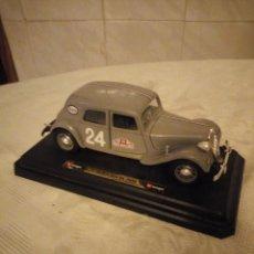 Coches a escala: BURAGO 5501 - 1:24 CITROEN 15 CV TA 1938 MONTE-CARLO RALLY. Lote 184484682
