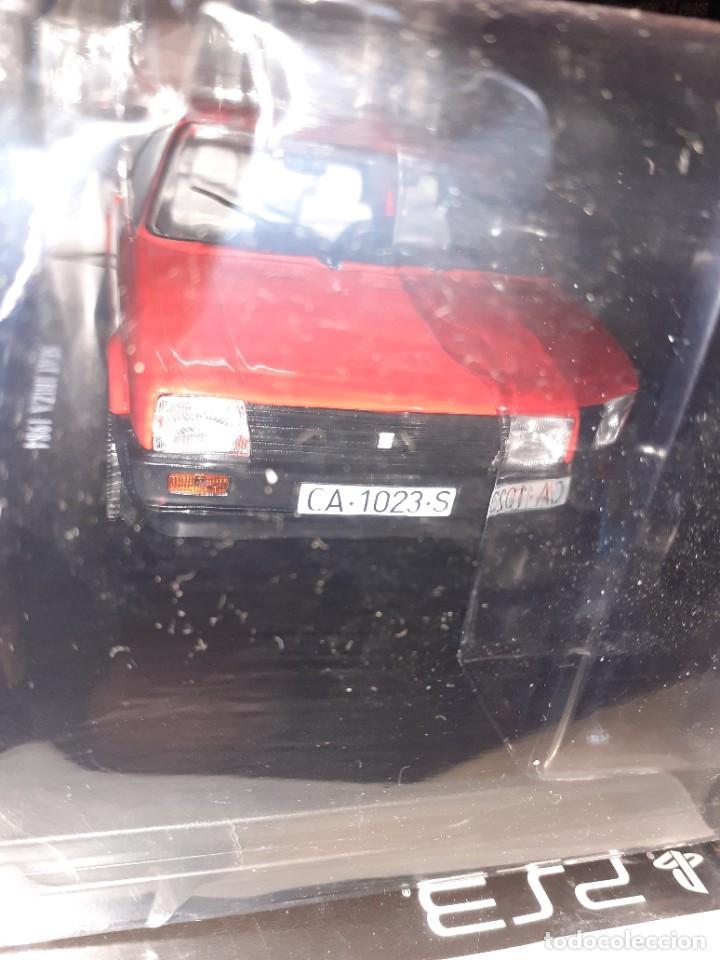 Coches a escala: SEAT Ibiza de 1984.Coches inolvidables nº 15.Salvat. - Foto 3 - 191254018