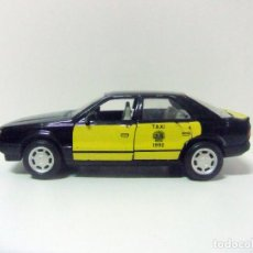 Coches a escala: RENAULT 25 V6 TURBO TAXI DE BARCELONA 1992 - GUILOY ESCALA 1:24 - COCHE MINIATURA JUGUETE R-25 AUTO. Lote 194330693