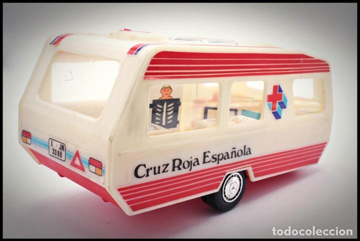 Coches a escala: Caravana Cruz Roja Española . Mira. 1/24 - Foto 3 - 194688087