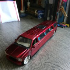 Auto in scala: FORD EXCURSION ESCALA 1/24 MAISTO. Lote 243530920