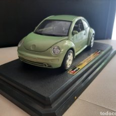 Coches a escala: COCHE A ESCALA 1/24 VOLKSWAGUEN NEW BEETLE 1998 BBURAGO MADE IN ITALY. Lote 207092280