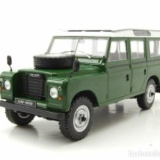 Carros em escala: LAND ROVER SERIES III 109 1980 (VERDE) 1:24 WHITEBOX. Lote 219291045