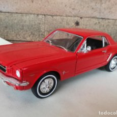 Carros em escala: FORD MUSTANG COUPÉ 1964 - 1/2 ESCALA 1/24 DE WELLY - COLOR ROJO. Lote 220615660