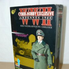 Coches a escala: DRAGON CYBER-HOBBY WWII ARDENNES 1944 HEER COMMANDER OBERST HESSLER 70165 1/6. Lote 230041510