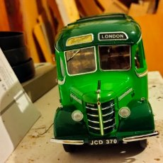 Coches a escala: BEDFORD OB DUPLE VISTA COACH SOUTHDOWN BUS (SUNSTAR) 1/24 1948. Lote 245530170
