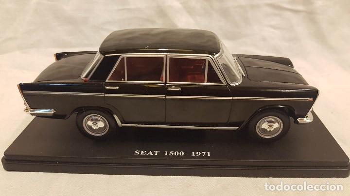Coches a escala: SEAT 1500 AÑO 1971 Y LIBRO COCHES INOLVIDABLES SALVAT - Foto 2 - 266558323