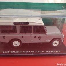 Coches a escala: LAND ROVER SANTANA POLICIA ARMADA 1976, 1/24, SALVAT.. HISTÓRICOS ESPAÑOLES.. Lote 295798048