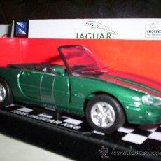 Coches a escala: JAGUAR XK8 AÑO 1998 DE NEW RAY ABREPUERTAS ¡BONITO!. Lote 30440446