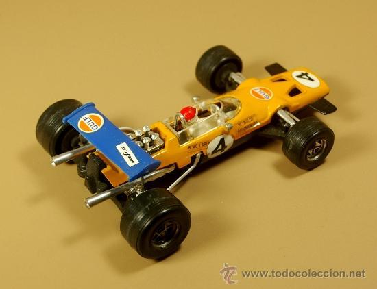 Coches a escala: POLITOYS F8 - McLAREN F1 #4 Racing Car GULF - B. Mc Laren - Escala 1/32 Metal - VINTAGE - Foto 2 - 52277957