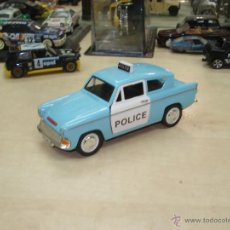 Coches a escala: FORD ANGLIA- LONDON POLICE ESC.1/32. Lote 40287418