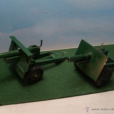 Coches a escala: BRITAINS DIECAST 1:32 25 PDR BRITISH GUN LOT OF TWO MODELS. VERY GOOD CONDITION. UNBOXED. Lote 52770485