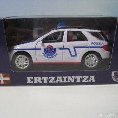 Coches a escala: ERTZAINTZA VEHICULO TODOTERRENO DE LA POLICIA DEL PAIS VASCO ESCALA 1:32. Lote 58559738