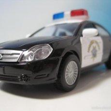 Coches a escala: COCHE DE POLICIA AMERICANA NUEVO EN CAJA ESCALA 1:32. Lote 58679545