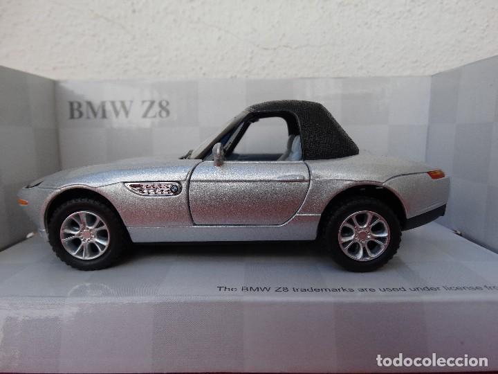 BMW Z8 (Juguetes - Coches a Escala 1:32)