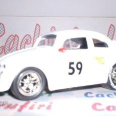 Coches a escala: VW BEETLE RACING AÑO 1959 DE JADA ESC. 1,32 DE METAL ¡BONITO!. Lote 106077539