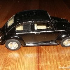 Coches a escala: VOLKSWAGEN CLASSICAL BEETLE (1972) - KINSMART. Lote 114055999