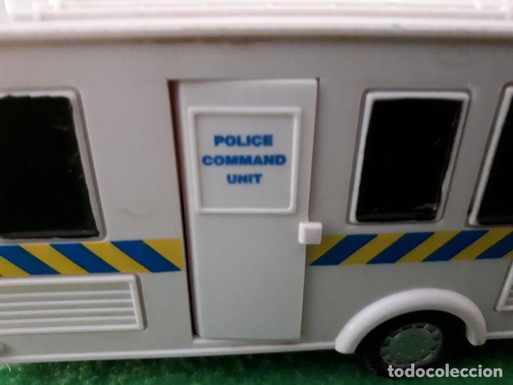 Coches a escala: Caravana Policia – Teama – 2002 – Escala 1/32 - Foto 2 - 131609490