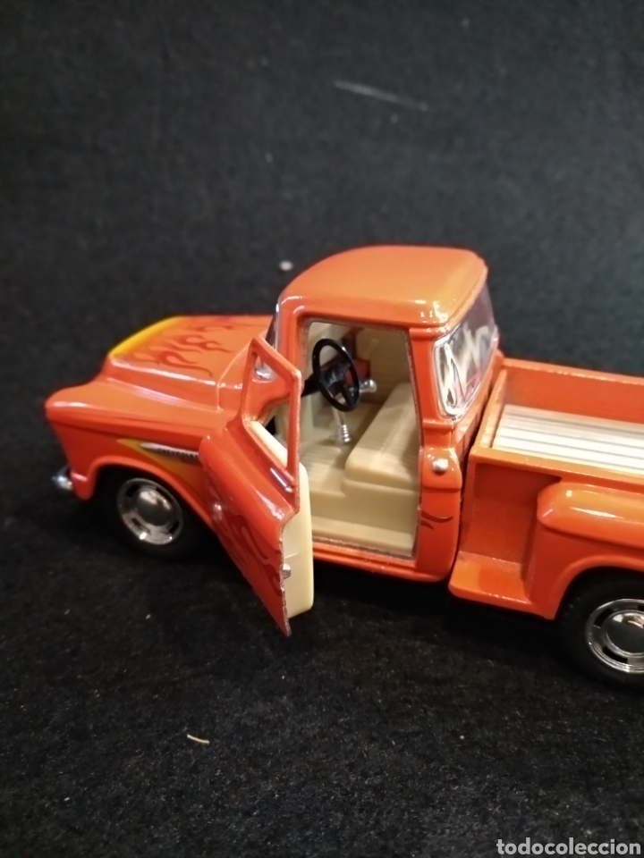 Coches a escala: Coche, Chevy stepside pick-up 1955. Kinsmart 1/32 - Foto 5 - 176975783