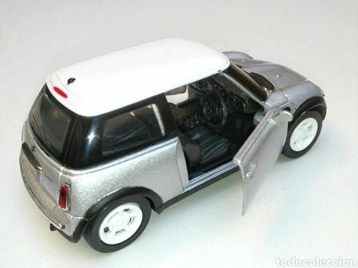 Coches a escala: Coche Mini Cooper 2001 inglés (volante derecha) 1/32 New Ray die-cast - Foto 2 - 181139598