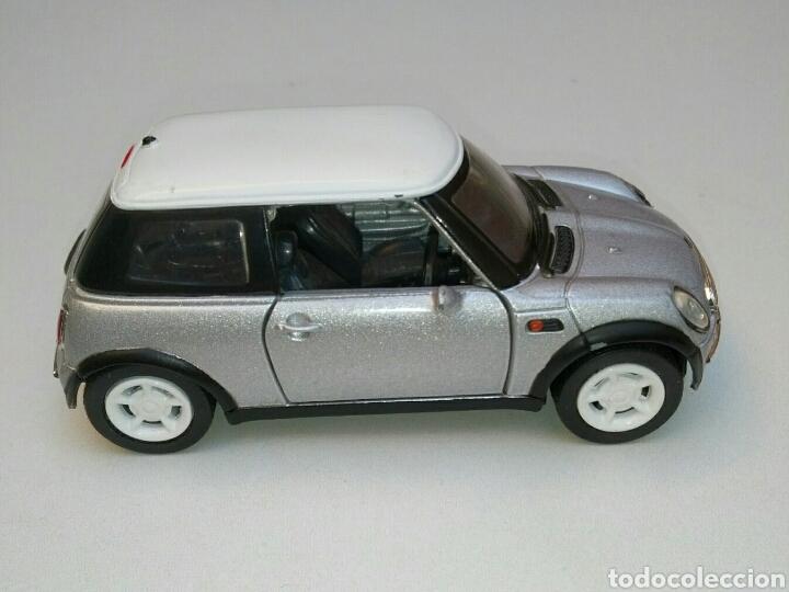 Coches a escala: Coche Mini Cooper 2001 inglés (volante derecha) 1/32 New Ray die-cast - Foto 6 - 181139598