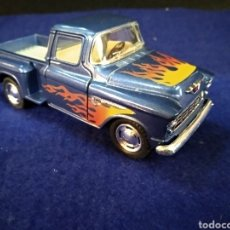 Coches a escala: COCHE, CHEVY STEPSIDE PICK-UP 1955. KINSMART 1/32. Lote 222265263