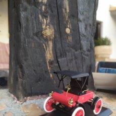 Coches a escala: OLDSMOBILE 1904 VINTAGE CAR EN SU CAJA. Lote 190378510