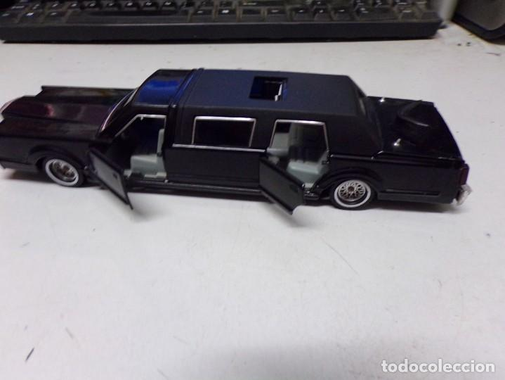 Coches a escala: Preciosa Limusina majorette Cadillac negra ref 3045 escala 1/32 negra - Foto 7 - 207653226