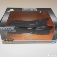 Coches a escala: COCHE BATMAN BATMOBILE 1/32 1:32 JADA CAR METAL DIE CAST ALFREEDOM. Lote 209964901