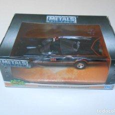 Coches a escala: BATMAN COCHE CLASSIC TV SERIES BATMOBILE MODEL CAR 1/32 1:32 ALFREEDOM. Lote 209964917