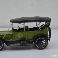 Auto in scala: 1:32 SIGNATURE MODELS 1913 CADILLAC TOURING. Lote 223064538