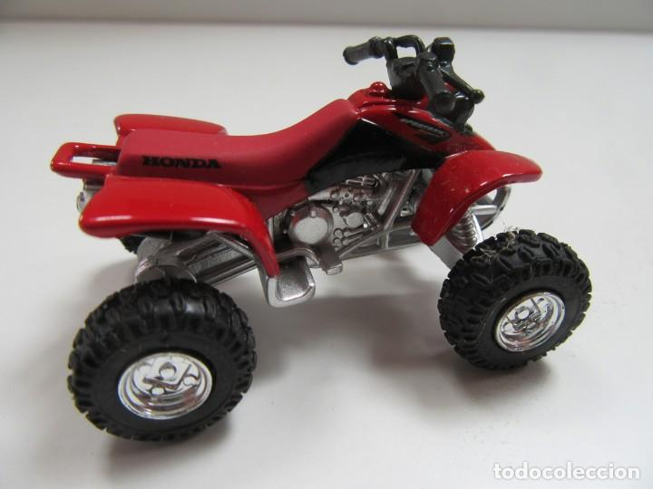 QUAD HONDA SPORT TRAX 400 - NEW RAY ESCALA 1/32 (Juguetes - Coches a Escala 1:32)