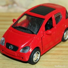 Coches a escala: MERCEDES CLASE A - ESCALA 1/32 - COLOR ROJO - 1998. Lote 231721870