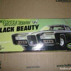 Coches a escala: MODELO PARA MONTAR BLACK BEAUTY THE GREEN HORNET, KATO, BRUCE LEE, EL AVISPÓN VERDE (NUEVO) (FOTOS). Lote 235280465