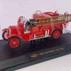 Coches a escala: FORD MODEL T 1926 FIRE TRUCK MARCA SIGNATURE MODELS. Lote 236908505