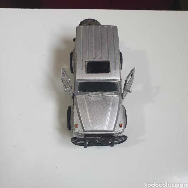 Coches a escala: Mercedes - Ben 300 GD. Escala 1.32. - Foto 2 - 241902170