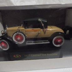 Carros em escala: RBA COCHE 1:32 CON LICENCIA EN CAJA 1927 CADILLAC 314 ROADSTER. Lote 242160525