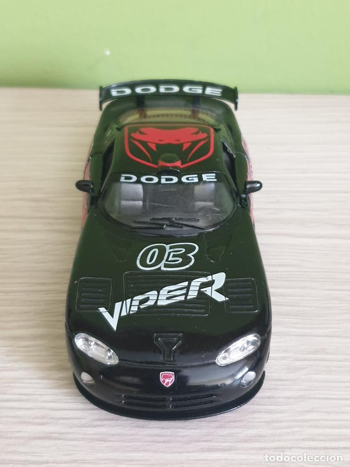 Coches a escala: Precioso Dodge Viper GTS-R. Escala 1/32 Fabricante Kinsmart, con muchos detalles en elacabado. - Foto 3 - 243386280