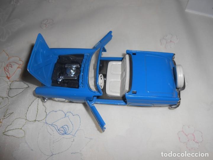 Coches a escala: Coche de metal Ford Thunderbird 1957 en azul de Guisval - Foto 2 - 261854750