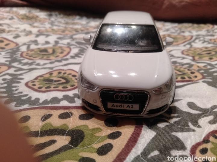 Coches a escala: Audi A 1 escala 1/32. Marca Kinsmart. Año: 2010. - Foto 2 - 287031493
