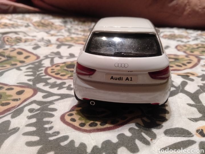 Coches a escala: Audi A 1 escala 1/32. Marca Kinsmart. Año: 2010. - Foto 3 - 287031493