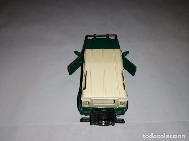 Coches a escala: New Ray 1/32 Land Rover Verde Buen Estado - Foto 5 - 287328823
